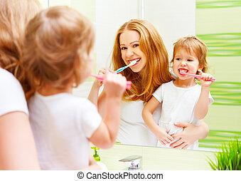 bürsten, kind, töchterchen, sie, familie, mutter, z�hne, zahnbürsten, glücklich