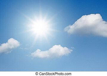błękitne niebo, z, chmury, i, słońce