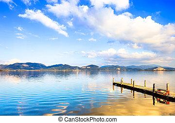 błękitny, albo, włochy, odbicie, drewniany, niebo, molo, tuscany, versilia, zachód słońca, water., molo, jezioro