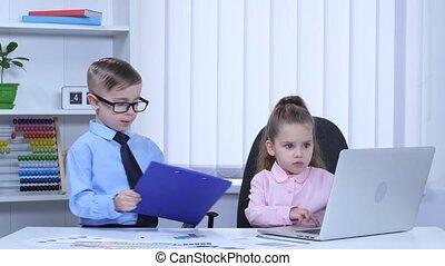 błękitny, dzieciaki, laptop, wykresy, drukowany, skoroszyt, ...