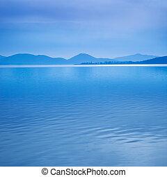 błękitny, górki, italy., powierzchnia, rano, woda jezioro, trasimeno, tło