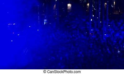 błękitny, oświetlany, tłum, ludzie, disco zapala
