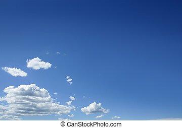 błękitny, piękny, niebo, z, biały zasępia, w, słoneczny dzień