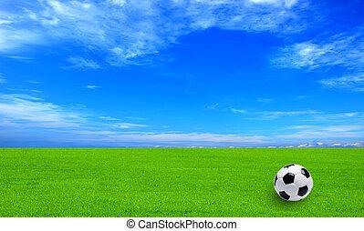 błękitny, piłka do gry w nogę, niebo pole, zielona trawa