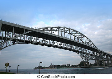 błękitny polewają, most