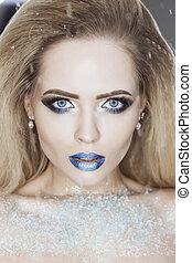 błękitny, rzęsy, fason, fałszywy, zima, piękno, eyeshadows, lips., na, królowa, śnieg, makeup., wysoki, tło., woman., make-up., kryształy, portret, dziewczyna, święto, boże narodzenie