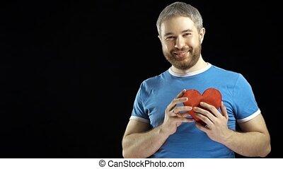 błękitny, serce, brodaty, romans, udzielanie, miłość, forma., tło., tshirt, czarnoskóry, 4k, video, concepts., propozycja, datując, uśmiechanie się, czerwony, człowiek
