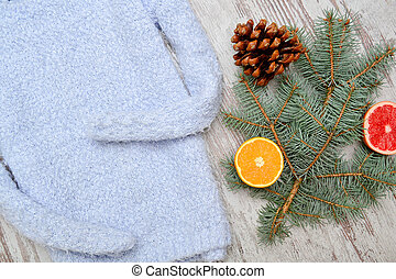 błękitny, sweater., pojęcie, modny, ciepły, przepoławia, orange., gałązka, świerk