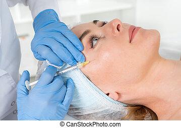 bőr, kozmetikus, orvos, szépség, belövellések, nők, care., rejuvenating, arc, arcápolás, eljárásmód, redőződik, szépségápolás, készítmény, simítás, salon., rögzít