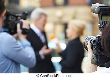 b, photographe, prendre, interviewer, journaliste, femme, images