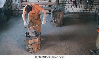 Zakelijk aambeeld smid warme workshop ijzer smeden