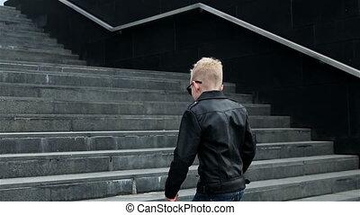 baby boy 7 - 8 years in sunglasses - blond child boy 7 - 8...