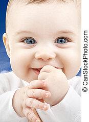 baby confronteren, op, blauwe hemel