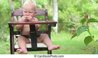 baby eat bread fullsize