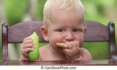 baby eat cucumber bread