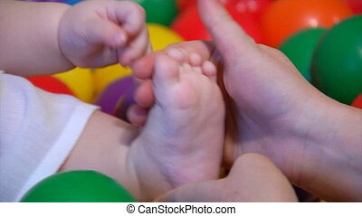 baby foot massage