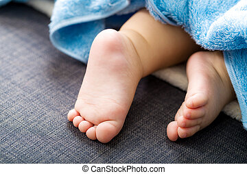 Baby foot with towel