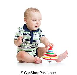 baby jongen, spelend, met, speelbal