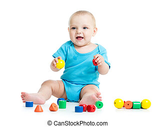 baby jongen, spelend, speelgoed belemmert, vrijstaand, op wit, achtergrond
