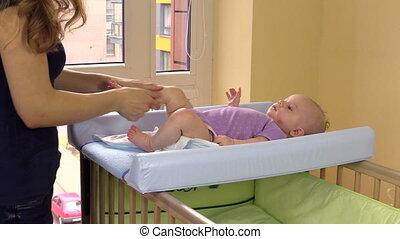 baby massage, moeder