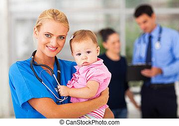 baby meisje, verpleegkundige, vasthouden, vrouwlijk