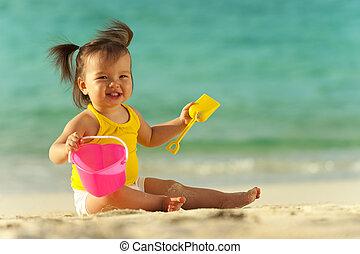 baby, sandstrand, spielende