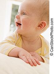 baby, smil, indendørs, liggende