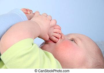 baby suckle foot