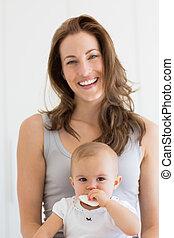 baby, verticaal, het glimlachen, closeup, moeder