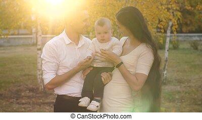 baby, weinig; niet zo(veel), gezin, vrolijke