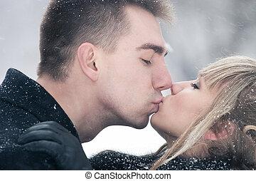 baciare, coppia, giovane