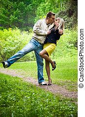 baciare, coppia, parco, giovane, felice