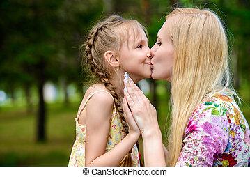 baciare, uno, figlia