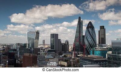 Back and forth timelapse footage of London landmarks, ...