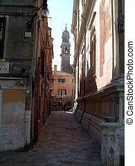 Backalley in Venice