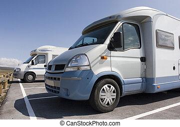 Caravan - Background:camping-car / Caravan at the campsite