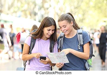 backpacker, felice, amici, posizione, ricerca