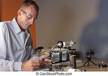 badacz, chodząc, samiec, okulary bezpieczeństwa