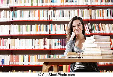 badając, dziewczyna student, biblioteka, portret