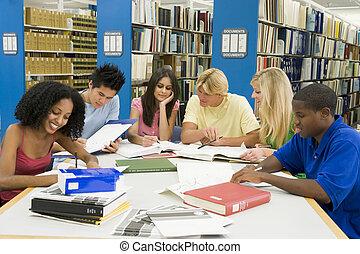 badając, sześć, biblioteka, ludzie