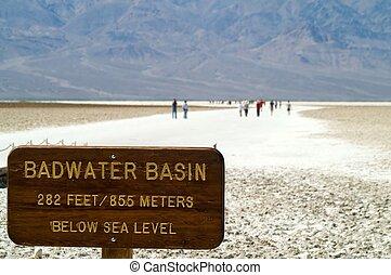 badwater, כיור