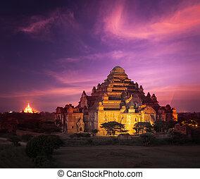 Bagan Myanmar at sunset