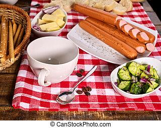 baguette, saucisse, checkered, tissu, portion, mettre table
