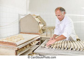 baguettes, panadero, preparando, horno