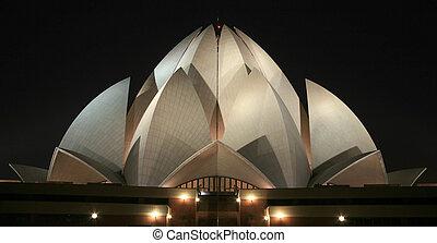 lotus temple - Bahai lotus temple at night in delhi, india
