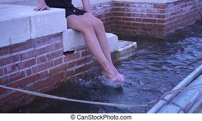 baigne, elle, pieds, eau, girl