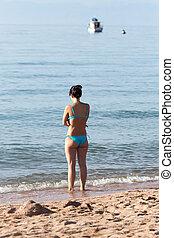 baigner, plage, petite fille, complet
