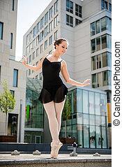 bailarín de ballet clásico, calle, bailando