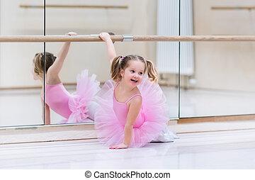 bailarina, poco, clase del ballet clásico