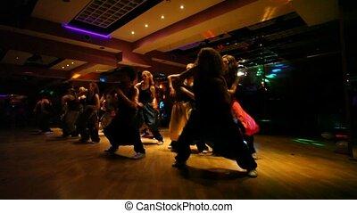 baile, compañía teatral, amaestrado, en, club